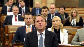 Várhelyi Olivér a visegrádi és a délkelet-európai országok házelnökeinek konferenciáján a magyar parlamentben 2021. szeptember 24-én