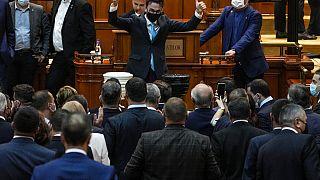 Moção de censura aprovada no parlamento romeno