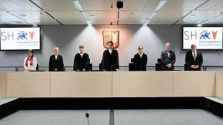 القضاة في المحاكمة الافتتاحية التي تغيبت عنها فورشنر، إيتزيهوي، ألمانيا، الخميس 30 سبتمبر 2021