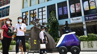 """A Singapour le robot Xavier """"is watching you"""""""