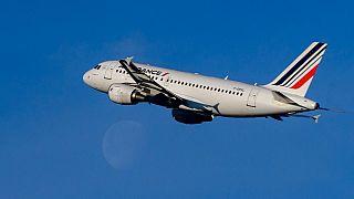 Englué dans la crise, le secteur aérien réclame une simplification des restrictions pour redécoller