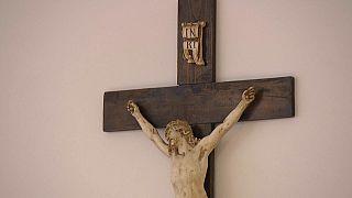 Tribunal do Vaticano absolve antigo acólito acusado de abuso sexual
