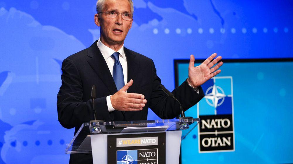 NATO mengusir 8 staf misi Rusia dengan mengatakan bahwa mereka adalah perwira intelijen yang 'tidak diumumkan'
