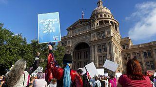 Marche des femmes, le samedi 2 octobre 2021, au Texas State Capitol à Austin, Texas.