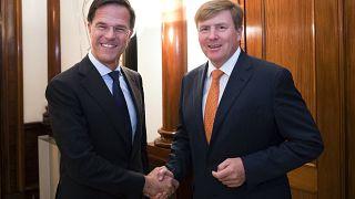 Ministerpräsident Mark Rutte (1,93m) und König Willem-Alexander (1,83m)