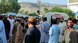 Még túlélők után kutatnak Pakisztánban