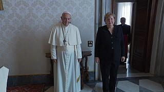 """Ciao Mutti"": Merkel trifft Papst und Draghi in Rom"