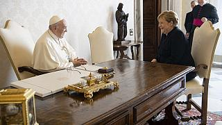Le pape François et la chancelière Angela Merkel lors de leur rencontre ce jeudi 07/10/2021 au Vatican