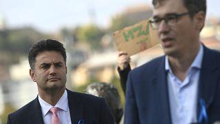 Márki-Zay Péter, Hódmezővásárhely polgármestere és Karácsony Gergely főpolgármester 2021. október 8-án a budapesti Kossuth téren