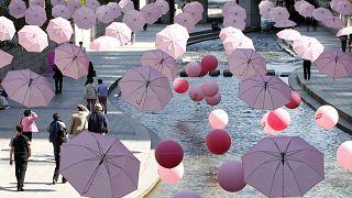 من حملة توعوية لسرطان الثدي في كوريا الجنوبية