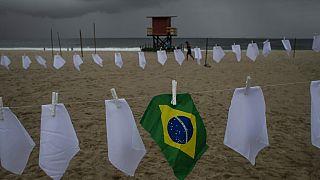 Brasil ultrapassa seiscentas mil mortes por covid-19