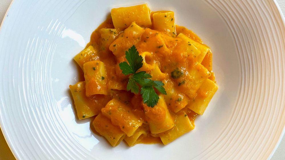 Pasta cinco P de Nino Mosca: calabaza, peperoncino, perejil, parmigiano y pimiento    La cocina