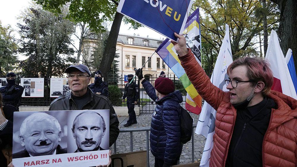 Polonia: París y Berlín piden a Varsovia que respete la ley de la UE mientras Budapest acoge con beneplácito el fallo 'nuclear'