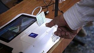 Les Irakiens votent pour des législatives anticipées sous haute protection