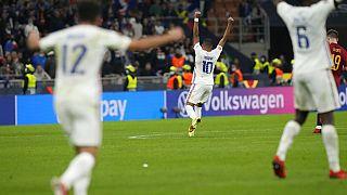 Οι παίκτες της Γαλλίας πανηγυρίζουν την κατάκτηση του Nations League