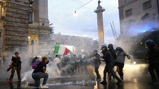 Assalto a central sindical gera indignação em Itália