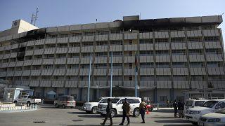 أمام فندق إنتركونتيننتال في كابول، أفغانستان.