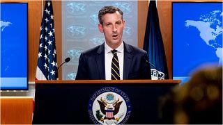 نيد برايس المتحدث باسم وزارة الخارجية الأمريكية  يدلي بتصريحات عن محادثات الوفد الأمريكي وحركة طالبان في العاصمة القطرية الدوحة، 10 تشرين الأول/أكتوبر 2021