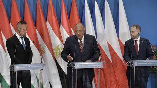 Szijjártó Péter, Számeh Sukri egyiptomi és Jakub Kulhánek cseh külügyminiszter a V4+Egyiptom találkozón tartott sajtótájékoztatón