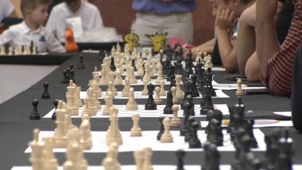 La gran maestra Judit Polgár está usando el ajedrez para revolucionar la educación de los niños