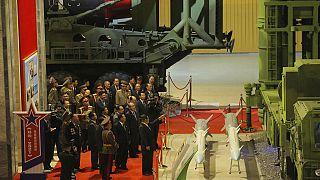 """Kim Jong-Un quer criar """"exército invencível"""""""