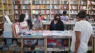 Los lectores tuvieron la oportunidad de buscar nuevos libros en el feria del libro, 10/10/2021, Ciudad de México, México