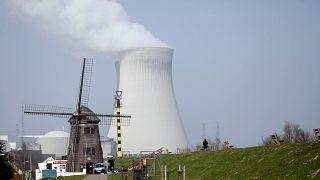 """El grupo de 10 países quiere que la Comisión incluya la energía nuclear en la """"taxonomía verde""""."""