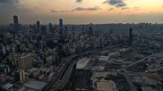 العاصمة اللبنانية، بيروت، مساءً