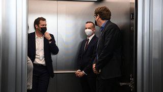 """Γερμανία: Προς κυβέρνηση """"φωτεινού σηματοδότη"""""""