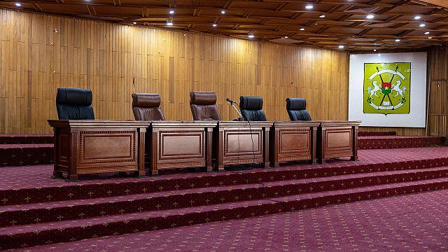 "Burkina Faso : le ""procès Sankara"" renvoyé au 25 octobre"
