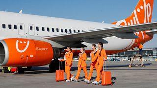 مهمانداران شرکت هواپیمایی اسکایآپ اوکراین در لباس فرم جدید