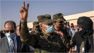 زعيم جبهة البوليساريو إبراهيم غالي خلال زيارة له لمخيم دجلة للاجئين الصحراويين في ولاية تندوف الجزائرية 12 تشرين الأول/أكتوبر 2021