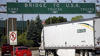 Imagen de la frontera entre Estados Unidos y Canadá (Ambassador Bridge, Ontario, Canada)