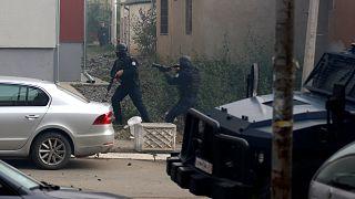 Kosova'da polis kaçakçılıkla mücadele kapsamında Mitrovitsa kentinde operasyon düzenledi