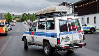 A car from the Deggendorf mountain rescue service during the search for the missing girl