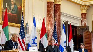 Израиль обвинил Иран в затягивании переговоров по ядерной сделке
