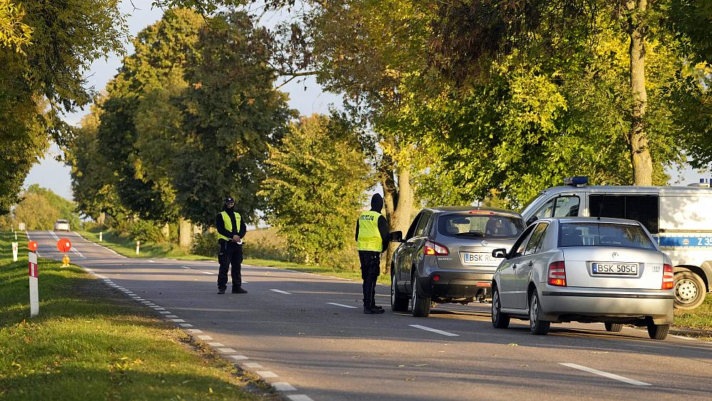 Polandia merencanakan tembok perbatasan €350 juta untuk menghentikan penyeberangan migran dari Belarus