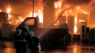 حريق اندلع في مبنّى مكون من 13 طابقاً بمدينة كاوشيونغ جنوب تايوان وخلّف عشرات القتلى والجرحى