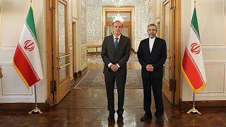 دیدار انریکه مورا، معاون دبیرکل سرویس اقدام خارجی اتحادیه اروپا با علی باقری، معاون سیاسی وزارت خارجه ایران
