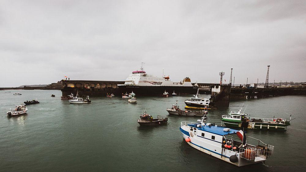 Prancis mengancam Inggris dengan 'tindakan pembalasan' atas sengketa izin penangkapan ikan