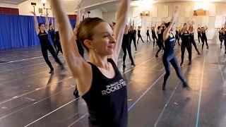 New Yorks legendäre Radio City Rockettes tanzen wieder