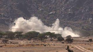 حملات توپخانهای نیروهای دولتی به مواضع حوثیها در مأرب