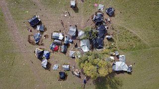 Стихийный лагерь в боснийской деревне