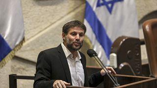 بتسلئيل سموتريتش، زعيم الحزب الصهيوني الديني تكوما، يتحدث خلال جلسة في الكنيست الإسرائيلي.
