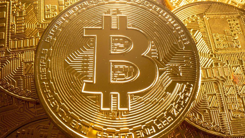 Bitcoin mendekati rekor tertinggi karena harga mencapai .000 di tengah meningkatnya harapan ETF AS