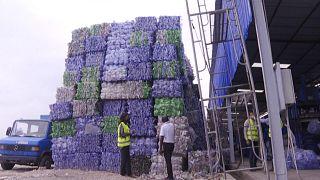 RDC : recycler les déchets plastiques pour nettoyer Kinshasa