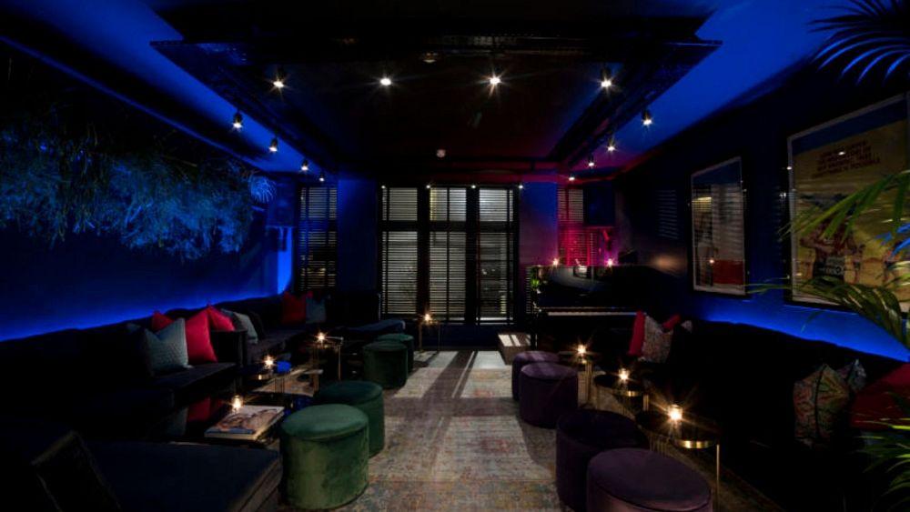 Reseña: el nuevo lounge nocturno de Londres es un lugar sexy para los amantes de los cócteles