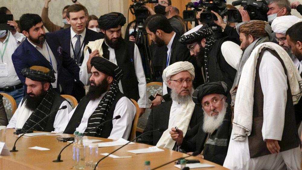 Rusia recibe a funcionarios talibanes para conversaciones de alto perfil sobre Afganistán