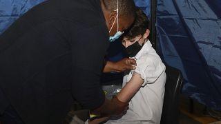 Covid-19 : l'Afrique du Sud vaccine les adolescents