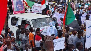 Soudan : les partisans du gouvernement dans la rue
